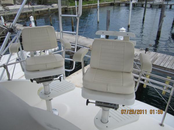 Bridge Helm Seats