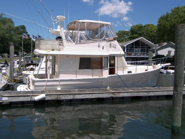34' Mainship 34 Trawler