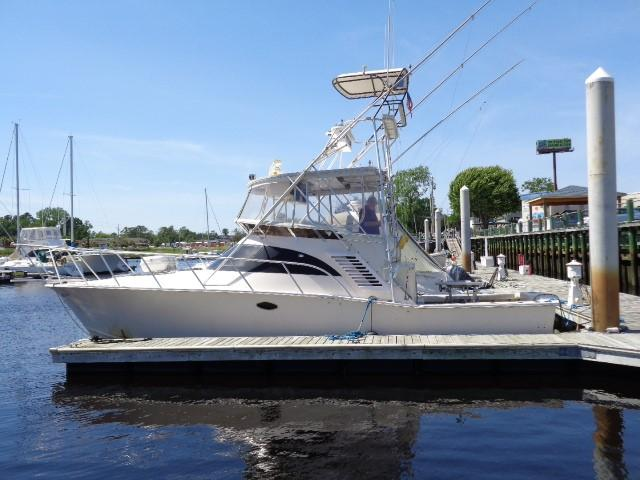 Delta Powerboats Canaveral Custom Delta 36 Express - Photo: #1