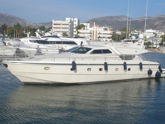 Ferretti 175. Length: 18.29 meter. Model Year: 1994. Price: €320000