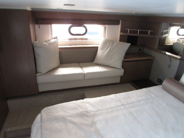2018 Sea Ray boat for sale, model of the boat is 460 Sundancer & Image # 1067 of 2914