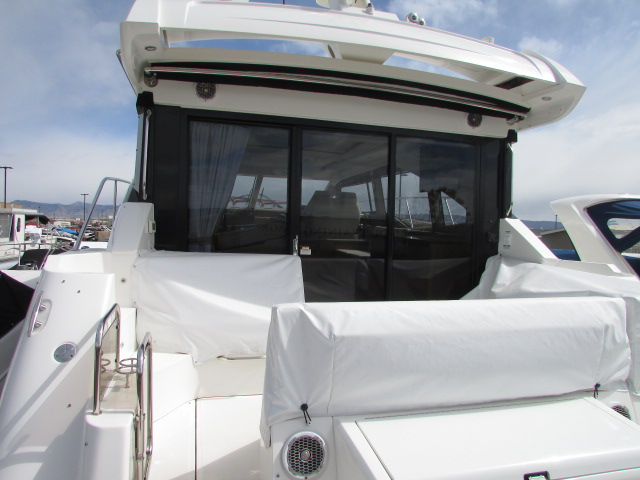 2018 Sea Ray boat for sale, model of the boat is 460 Sundancer & Image # 713 of 2914