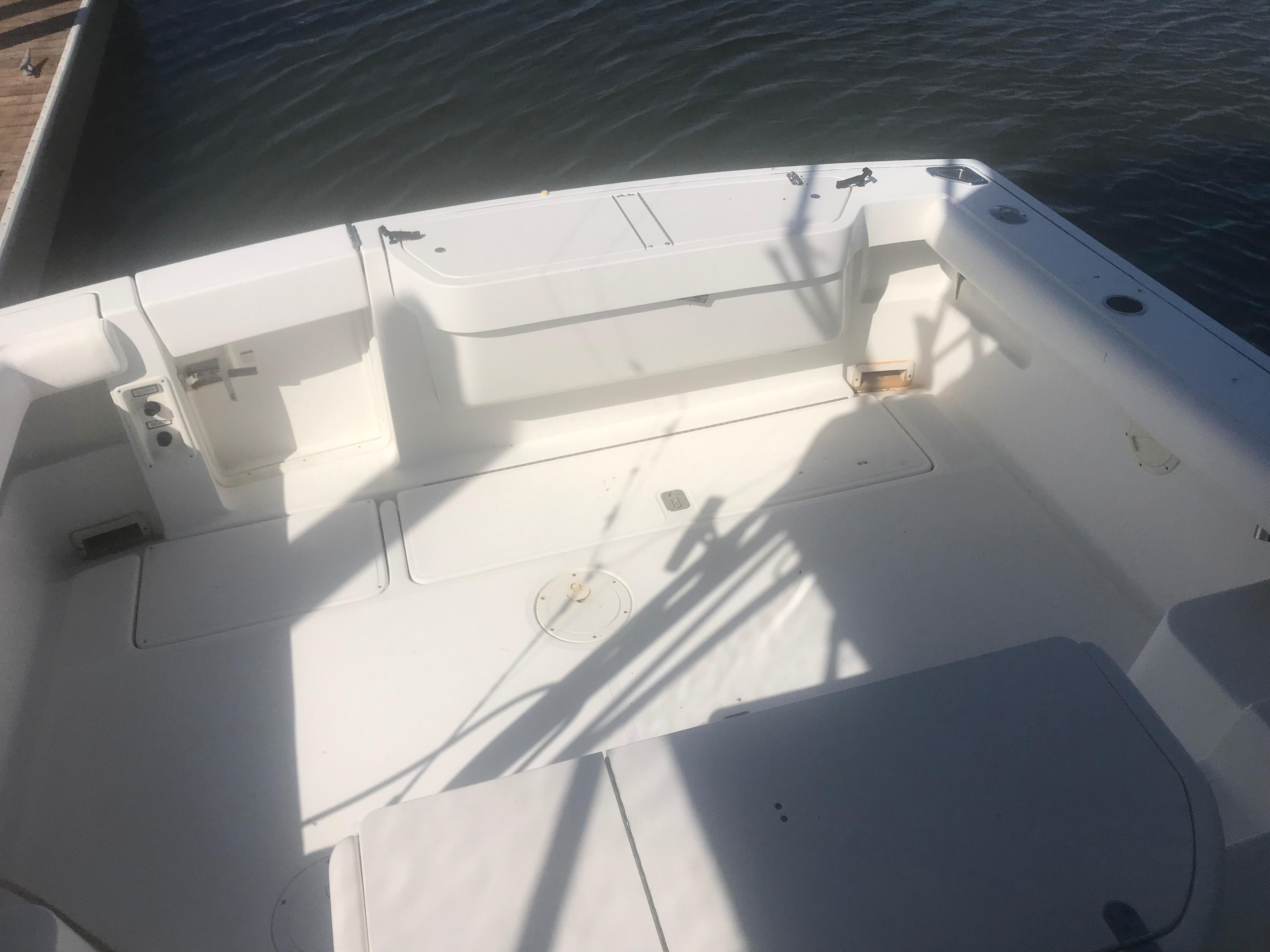 Pursuit 3000 Offshore - Cockpit