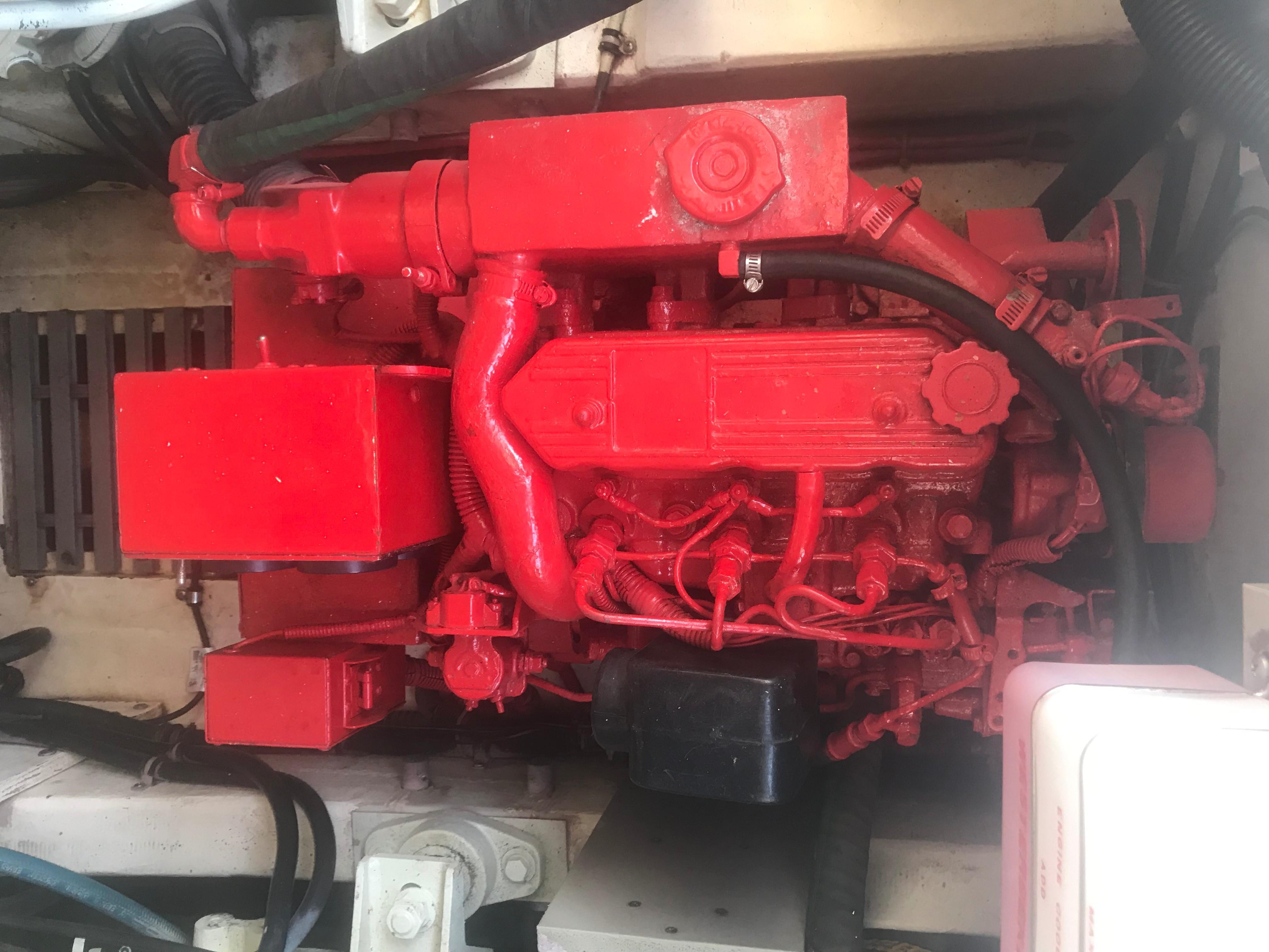 Pursuit 3000 Offshore - Westerbeke Generator