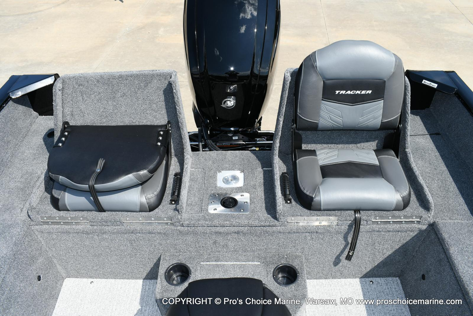 2020 Tracker Boats boat for sale, model of the boat is Pro Guide V-175 Combo & Image # 13 of 50
