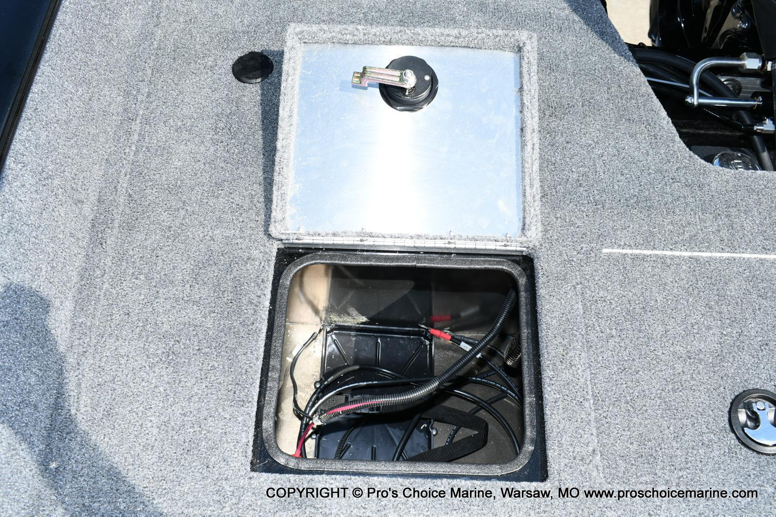 2020 Tracker Boats boat for sale, model of the boat is Pro Guide V-175 Combo & Image # 15 of 50