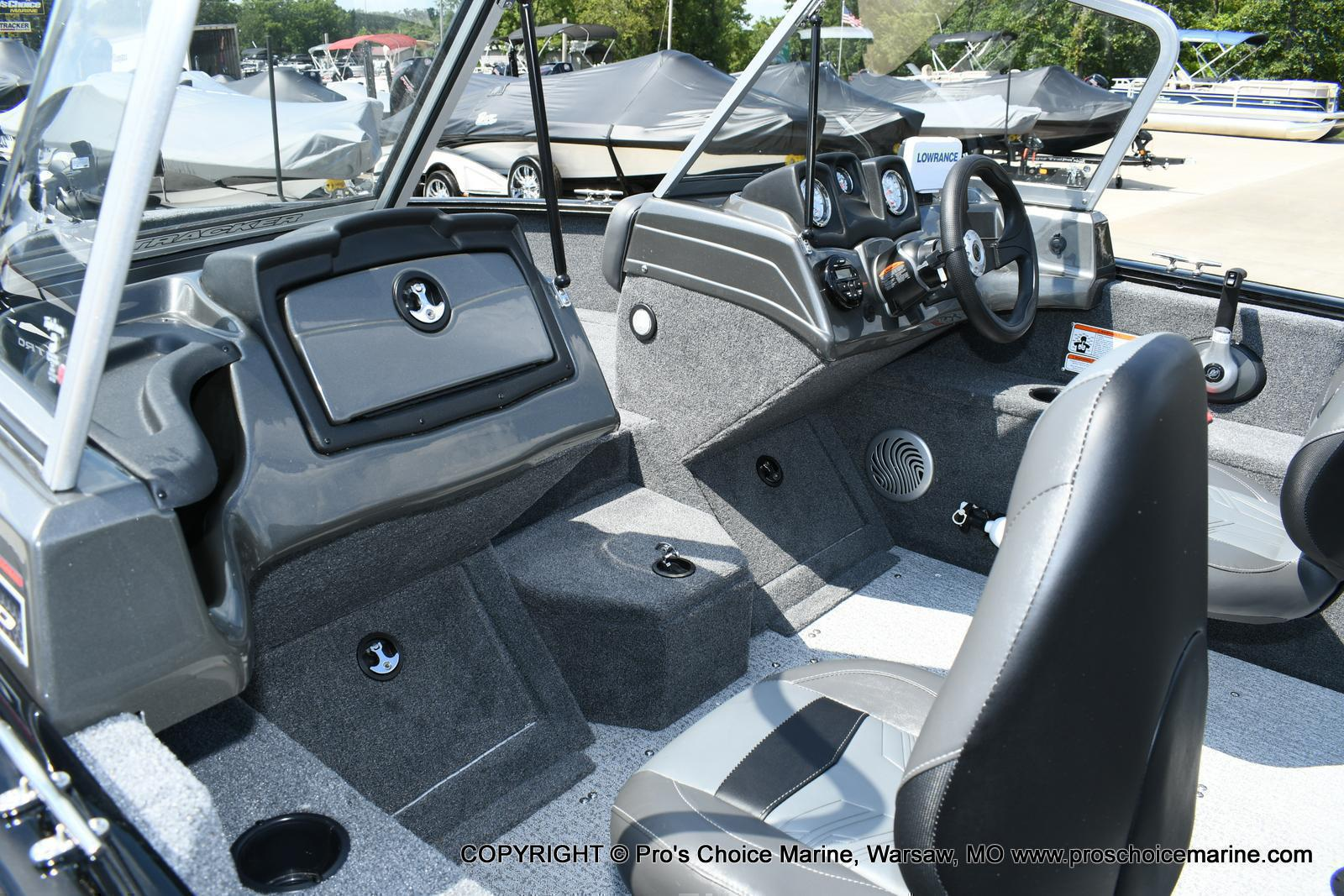 2020 Tracker Boats boat for sale, model of the boat is Pro Guide V-175 Combo & Image # 7 of 50
