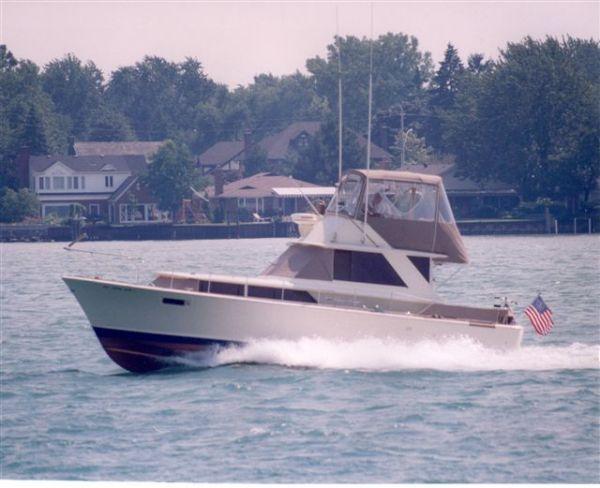 "Chris-Craft 38 Commander ""Sedan"" Convertible Boats"