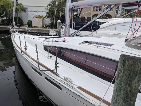 Jeanneau Sun Odyssey 44 DS BoatsalesListing Broker