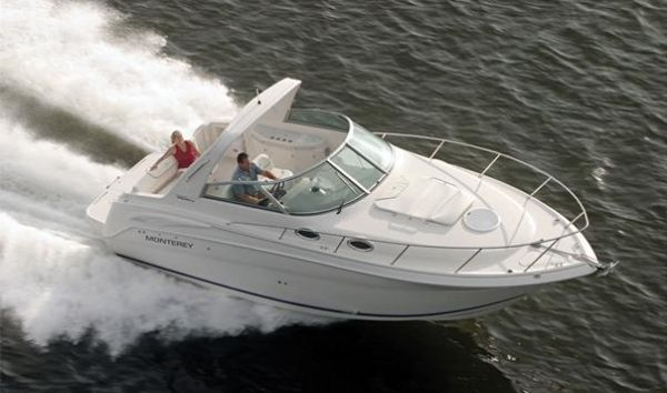 Monterey 282 CR. Length: 8.53 meter. Model Year: 2006. Price: €95000