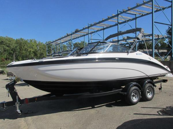2020 Yamaha boat for sale, model of the boat is SX210 & Image # 2 of 39