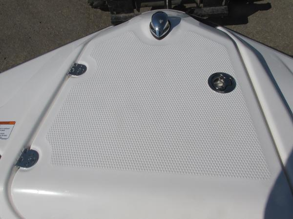 2020 Yamaha boat for sale, model of the boat is SX210 & Image # 10 of 39