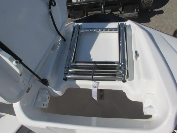 2020 Yamaha boat for sale, model of the boat is SX210 & Image # 11 of 39