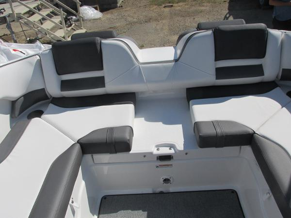 2020 Yamaha boat for sale, model of the boat is SX210 & Image # 13 of 39