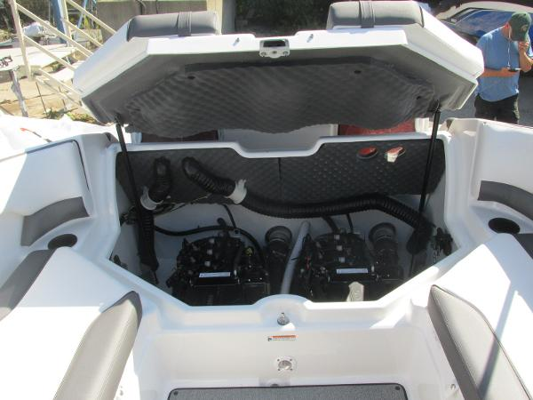 2020 Yamaha boat for sale, model of the boat is SX210 & Image # 14 of 39