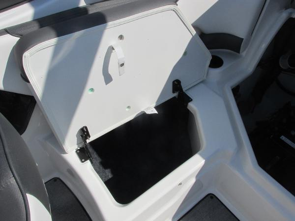 2020 Yamaha boat for sale, model of the boat is SX210 & Image # 16 of 39