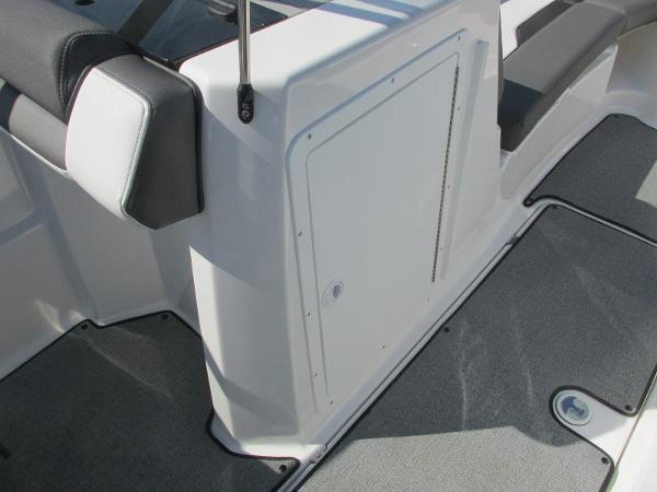 2020 Yamaha boat for sale, model of the boat is SX210 & Image # 18 of 39