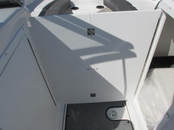 2020 Yamaha boat for sale, model of the boat is SX210 & Image # 21 of 39