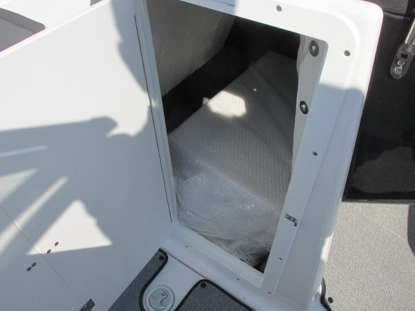 2020 Yamaha boat for sale, model of the boat is SX210 & Image # 22 of 39