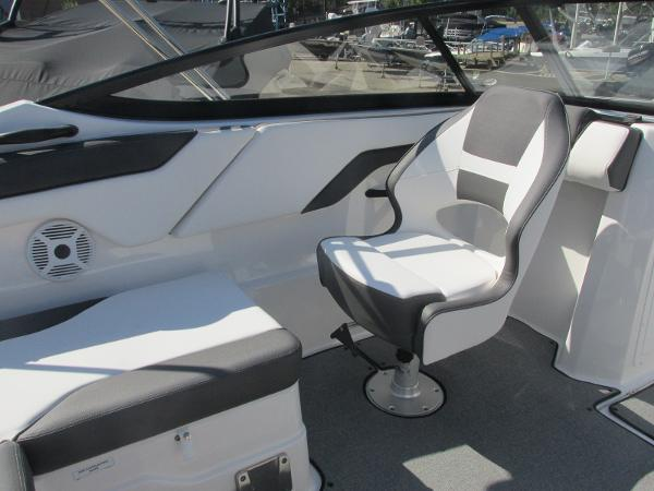 2020 Yamaha boat for sale, model of the boat is SX210 & Image # 28 of 39