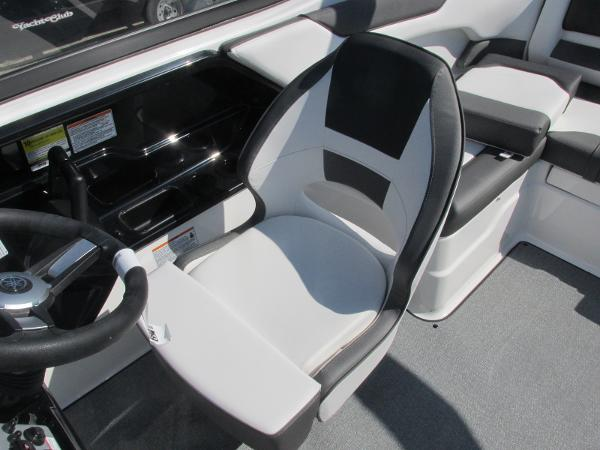 2020 Yamaha boat for sale, model of the boat is SX210 & Image # 29 of 39