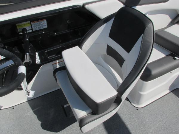 2020 Yamaha boat for sale, model of the boat is SX210 & Image # 30 of 39