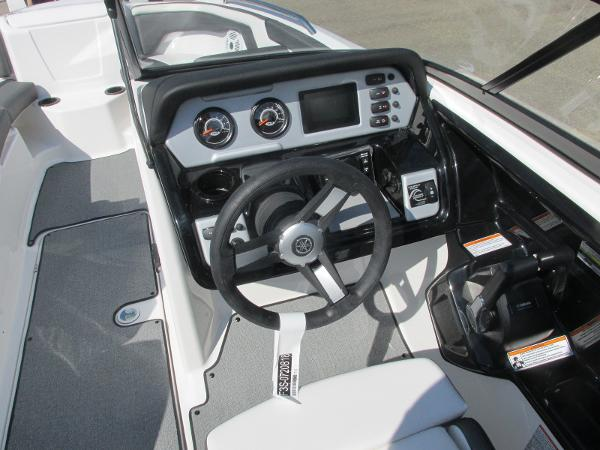 2020 Yamaha boat for sale, model of the boat is SX210 & Image # 31 of 39