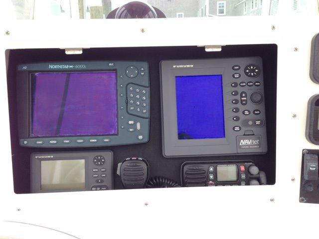 Regulator 26FS Center Console