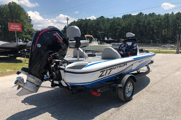 2021 Nitro boat for sale, model of the boat is Z17 & Image # 3 of 31