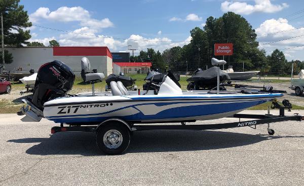 2021 Nitro boat for sale, model of the boat is Z17 & Image # 4 of 31