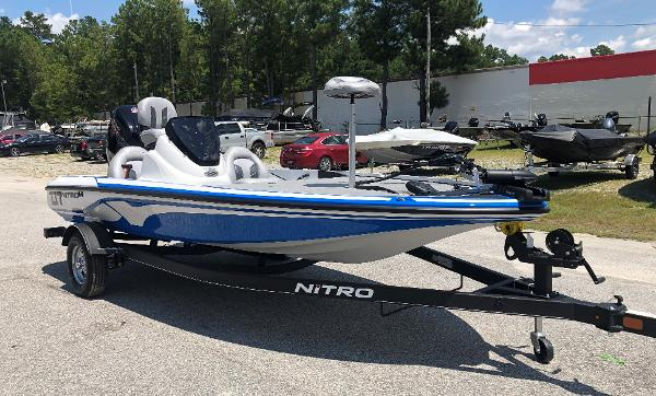 2021 Nitro boat for sale, model of the boat is Z17 & Image # 5 of 31