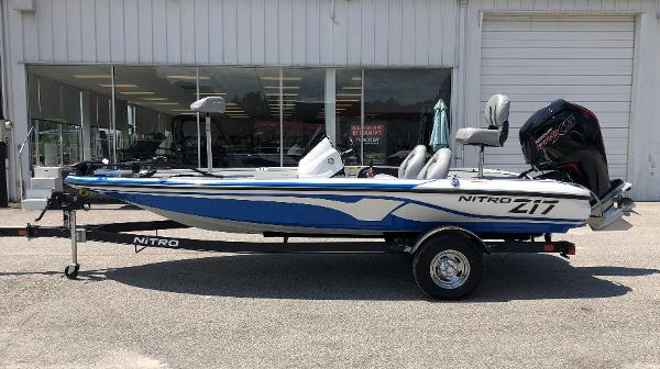 2021 Nitro boat for sale, model of the boat is Z17 & Image # 7 of 31