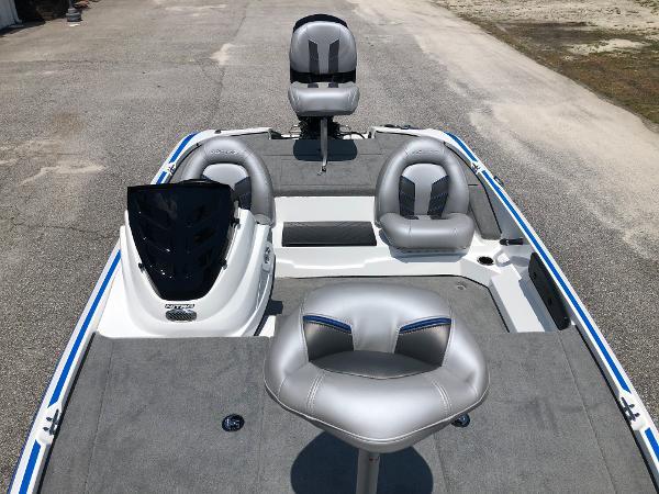 2021 Nitro boat for sale, model of the boat is Z17 & Image # 10 of 31
