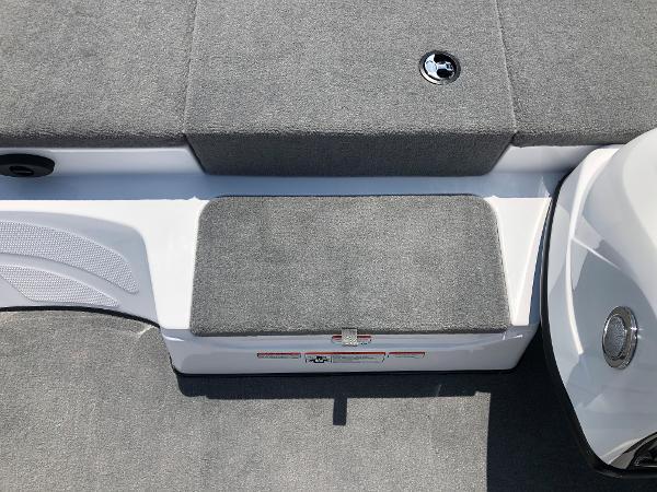 2021 Nitro boat for sale, model of the boat is Z17 & Image # 17 of 31