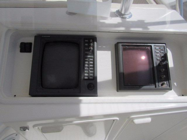 Helm / Electronics & Navigation 4 - Electronics