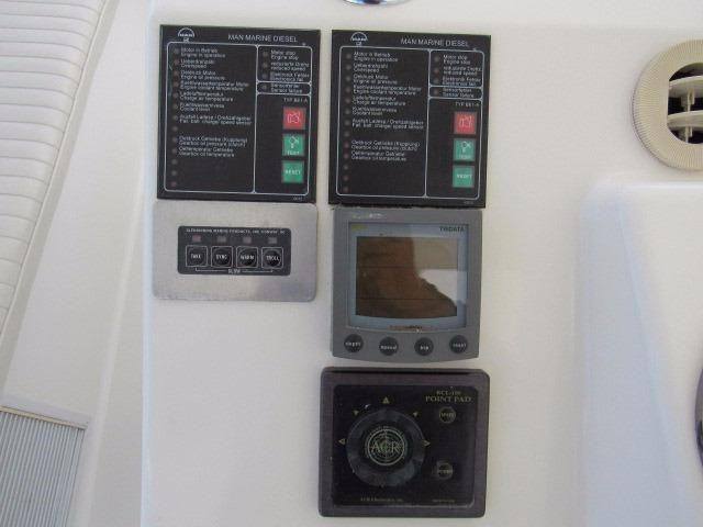 Helm / Electronics & Navigation 8 - Tri-Data