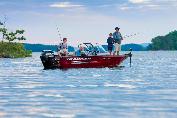 2016 Tracker Boats boat for sale, model of the boat is Pro Guide V-175 Combo & Image # 4 of 19