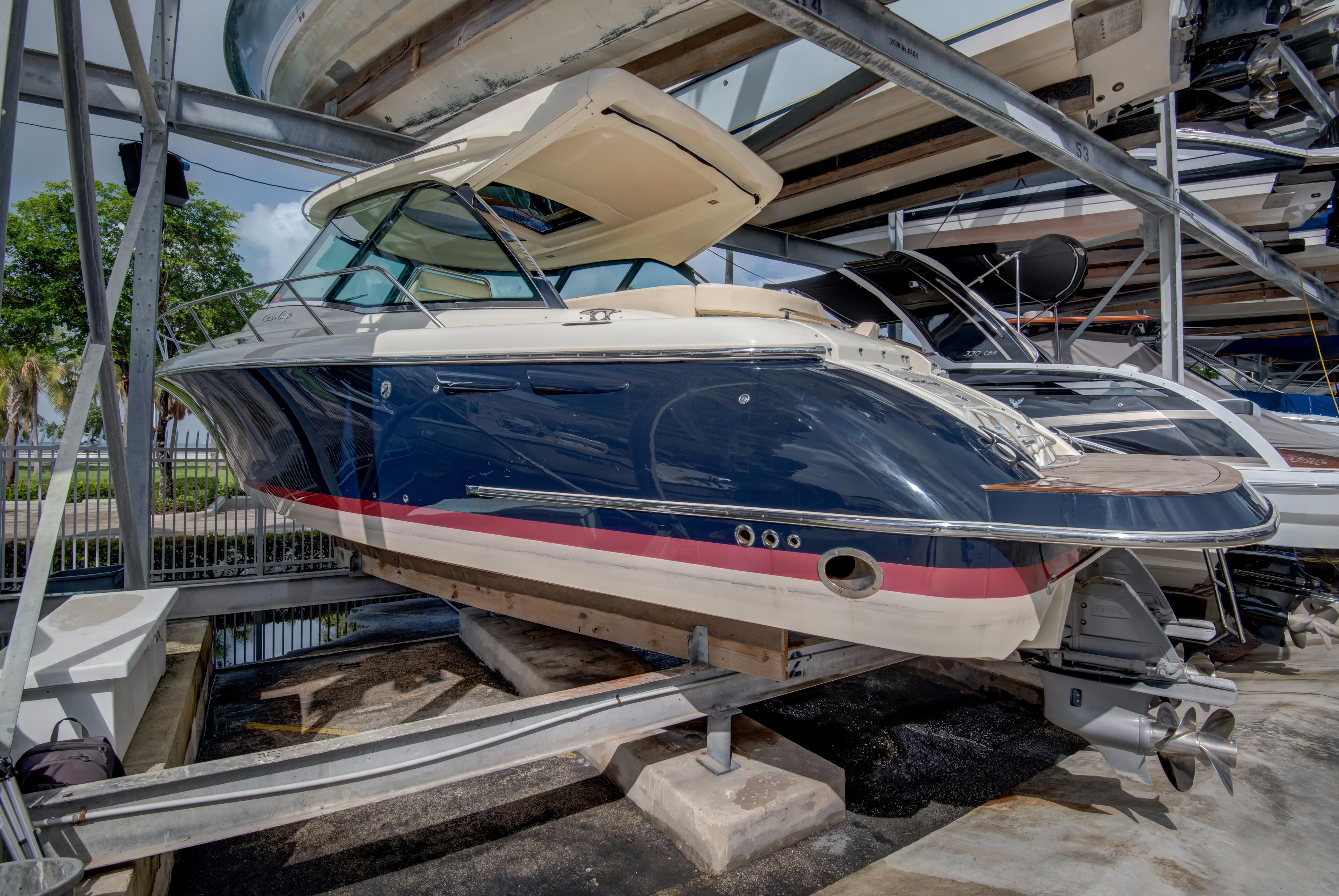 2014 Chris-Craft Corsair 36 Hard Top - Yacht Sales and Services