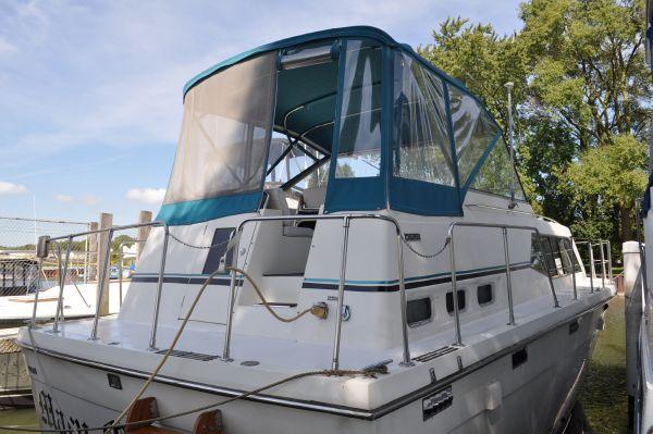 Trojan 36 Tri-Cabin Motor Yachts. Listing Number: M-3720621 36' Trojan 36 .