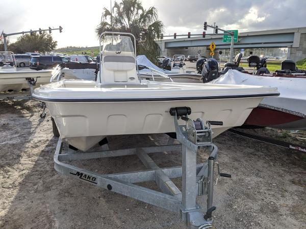 2019 Mako boat for sale, model of the boat is Pro Skiff 19 CC & Image # 1 of 26