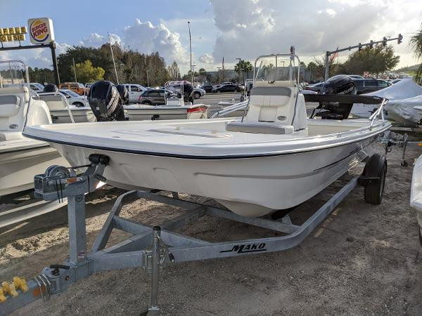 2019 Mako boat for sale, model of the boat is Pro Skiff 19 CC & Image # 2 of 26