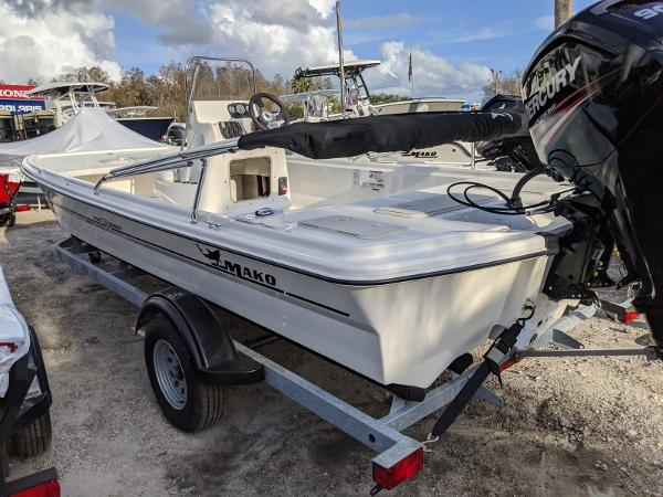 2019 Mako boat for sale, model of the boat is Pro Skiff 19 CC & Image # 3 of 26