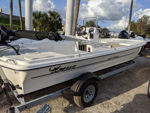 2019 Mako boat for sale, model of the boat is Pro Skiff 19 CC & Image # 4 of 26