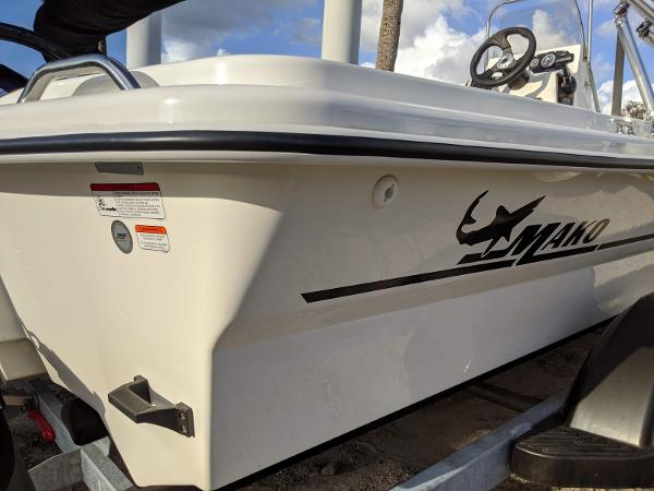 2019 Mako boat for sale, model of the boat is Pro Skiff 19 CC & Image # 5 of 26