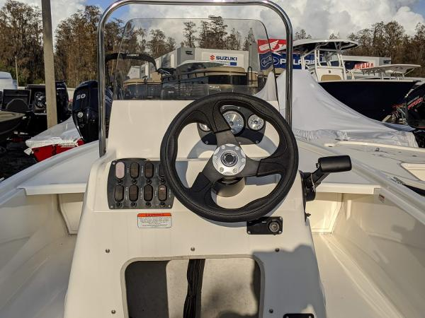 2019 Mako boat for sale, model of the boat is Pro Skiff 19 CC & Image # 11 of 26