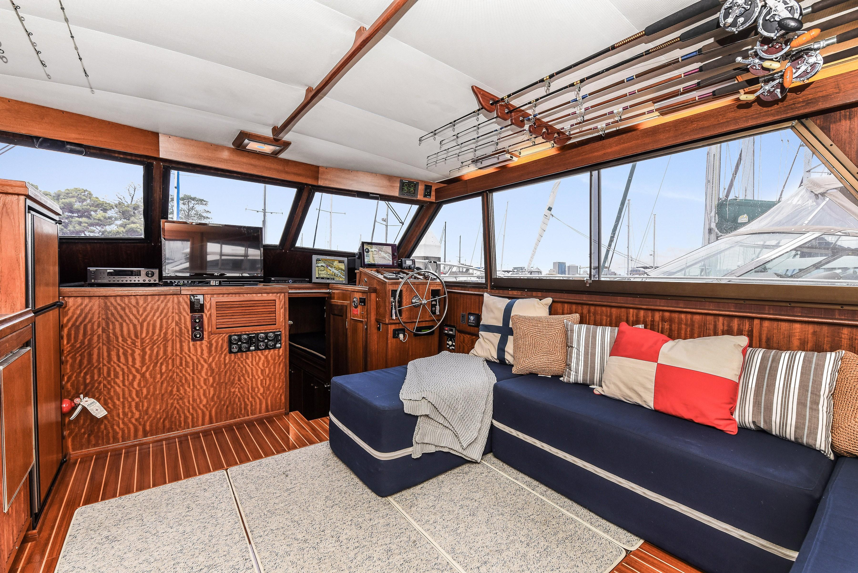 Picture Of:  56' Hatteras 56 SeaKeeper 2010Yacht For Sale | 30