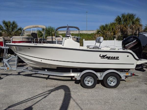 2018 Mako boat for sale, model of the boat is 184 CC & Image # 2 of 28
