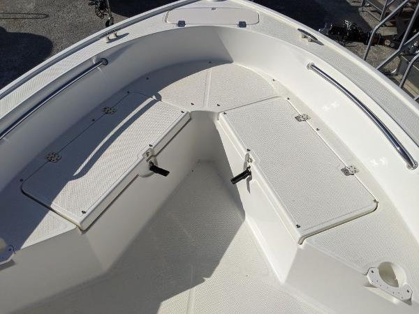 2018 Mako boat for sale, model of the boat is 184 CC & Image # 12 of 28