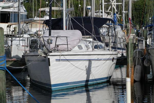 35' Catalina 2005 350