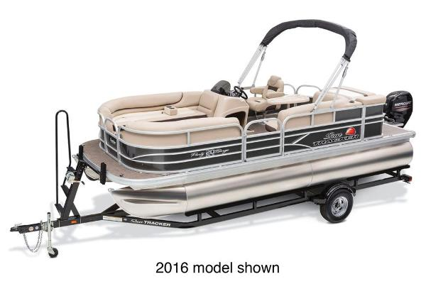 2017 Sun Tracker boat for sale, model of the boat is Party Barge 20 DLX & Image # 1 of 3